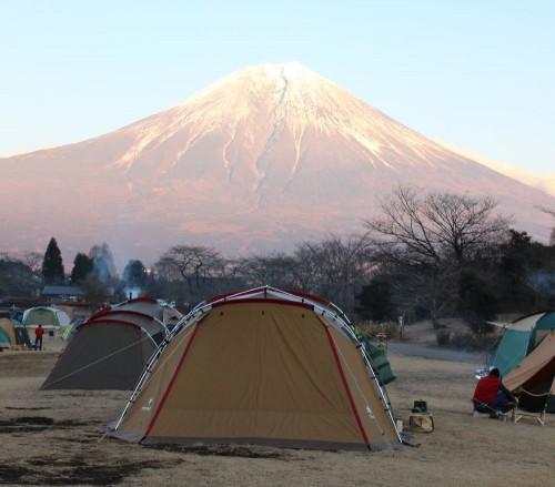 テントと富士山